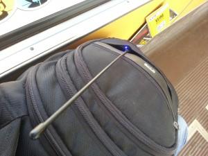 AP510 im Rucksack in der Straßenbahn (Antenne ist hier testweise eine Nagoya NA-771)